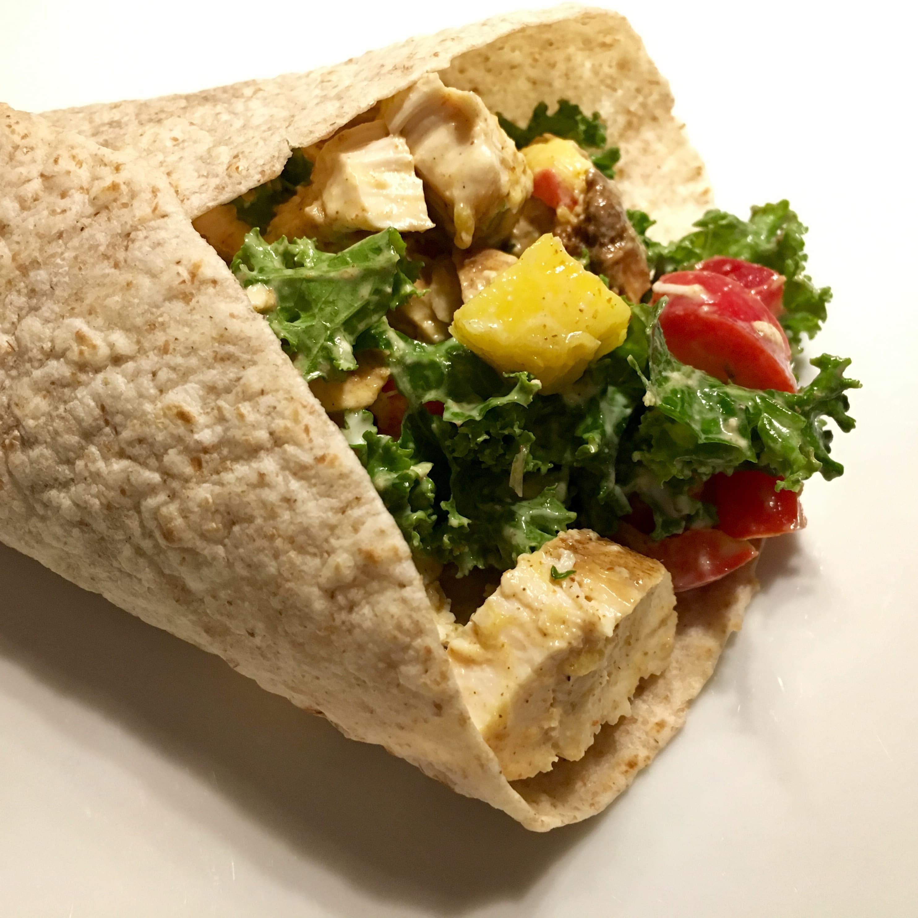 Wrap à la salade de poulet et de mangue