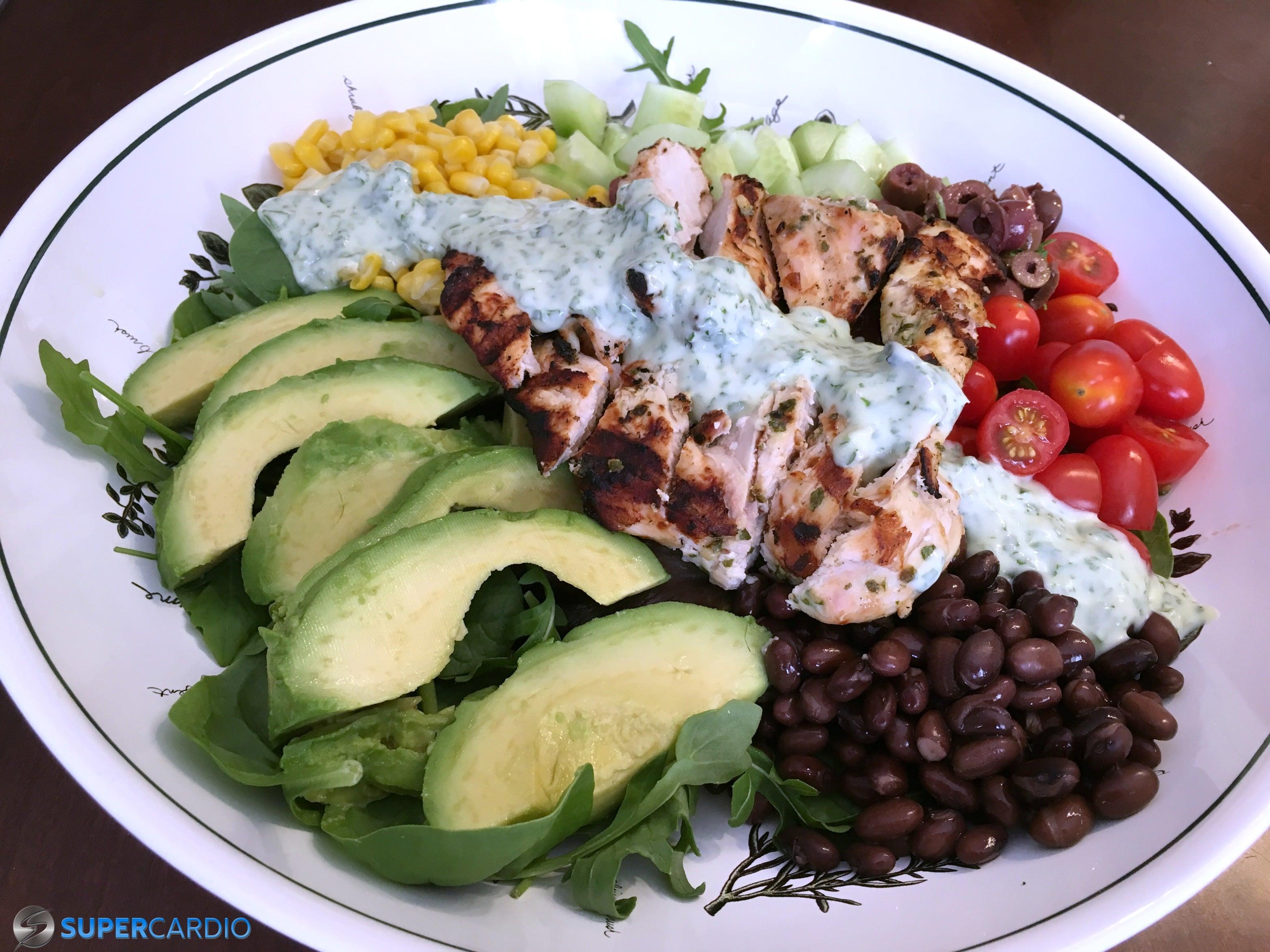 Salade mexicaine – vinaigrette à la coriandre, lime et yogourt grec