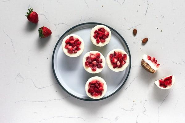 Bouchées glacées aux fraises et yogourt